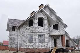 dvukh etazhnyy dom iz gazobloka
